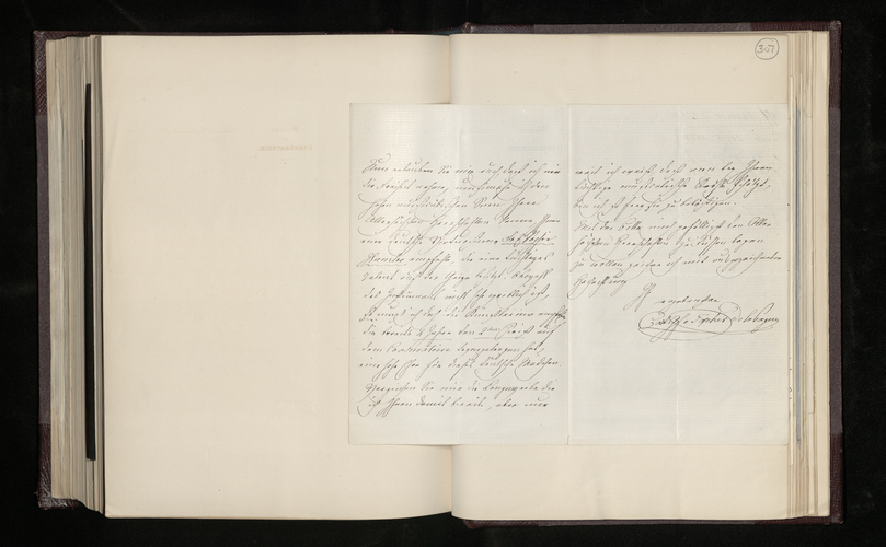 Letter from Count Tascher de la Pagerie to [Dr. Ernst Becker] promising to send information about a Raphael picture in Spain and recommending a German violinist
