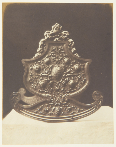 'Cradle carved in boxwood'