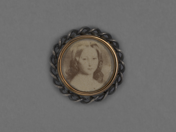 Item: Shirt stud with photograph of Princess Alice