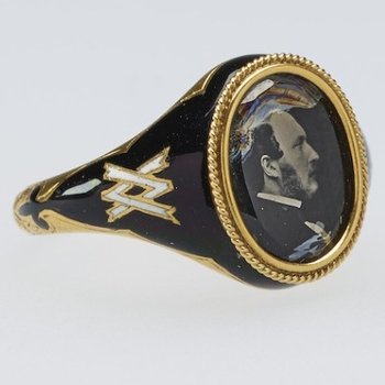 Mourning ring containing photograph of Prince Albert